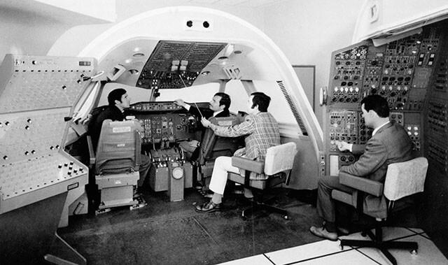 flightsafety-company-history-1980s